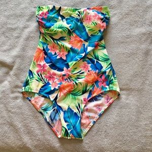Other - Strapless swim suit Size M/L